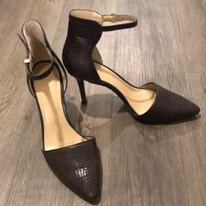 Ann Taylor Leather Pointy Toe Ankle Strap Heels